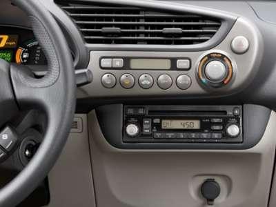 Honda Insight - центральная консоль