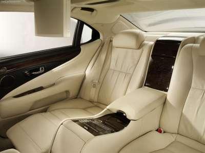 Lexus LS 600h L - задние сиденья
