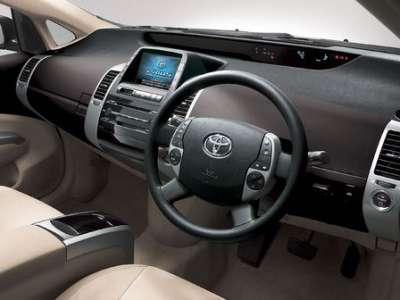 Toyota Prius - передняя панель