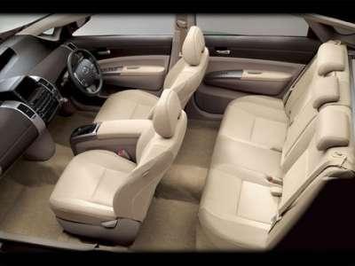 Toyota Prius - салон